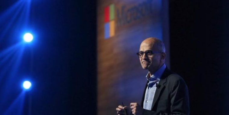 Microsoft and LinkedIn Ready to Challenge Salesforce CRM