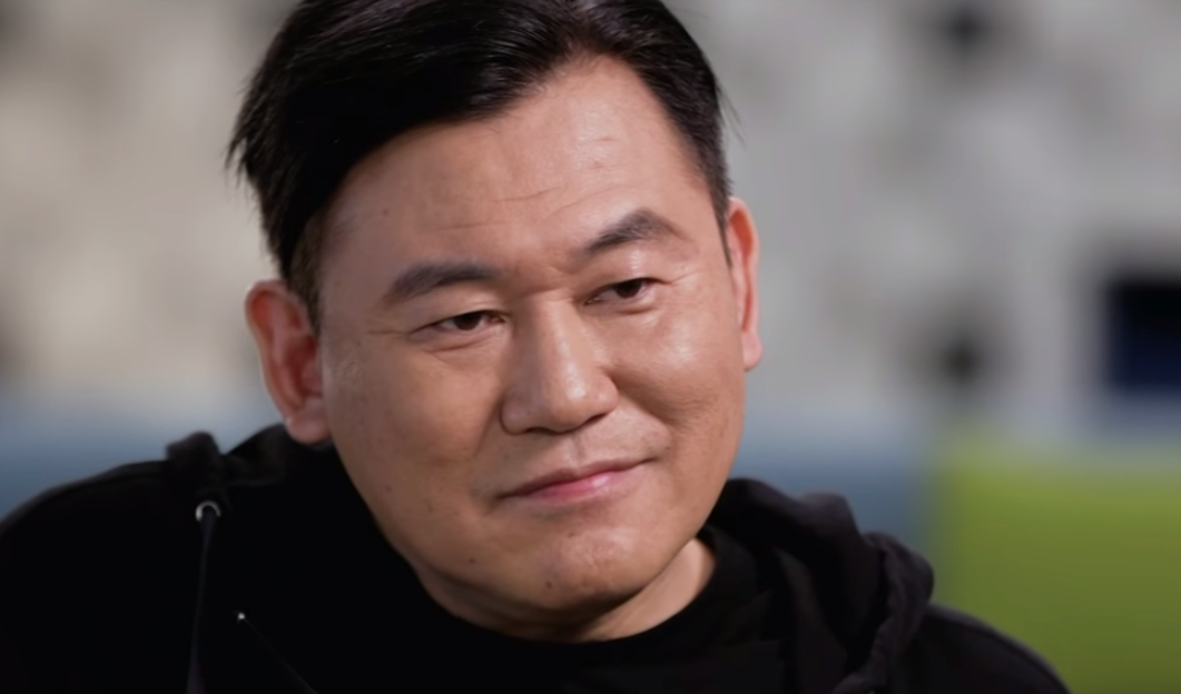 Rakuten CEO: Very Difficult to Use Chinese Venders for a While