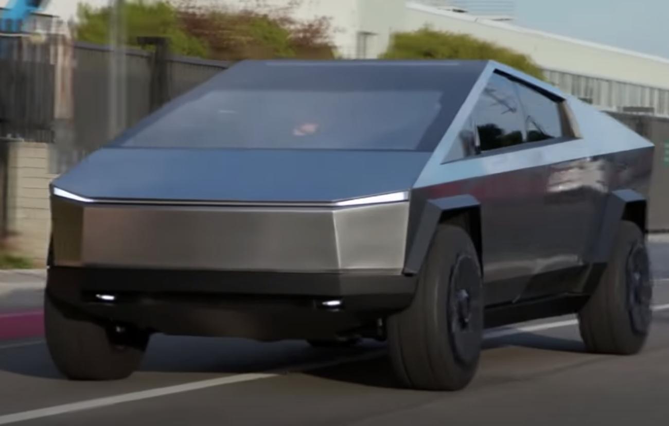 Awesome: Elon Musk & Jay Leno Drive the 2021 Tesla Cybertruck