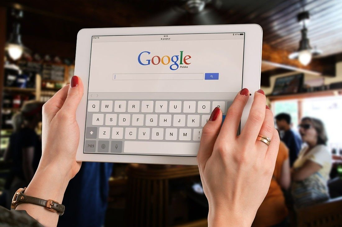 Google Search On iPad - Image by William Iven