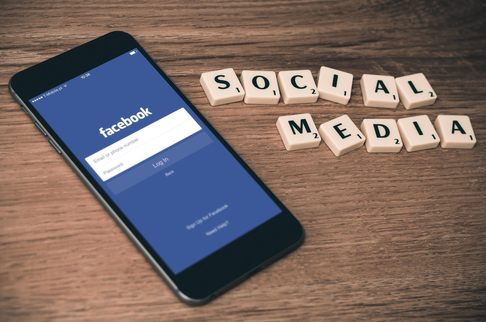 Social Media Facebook - Image by William Iven