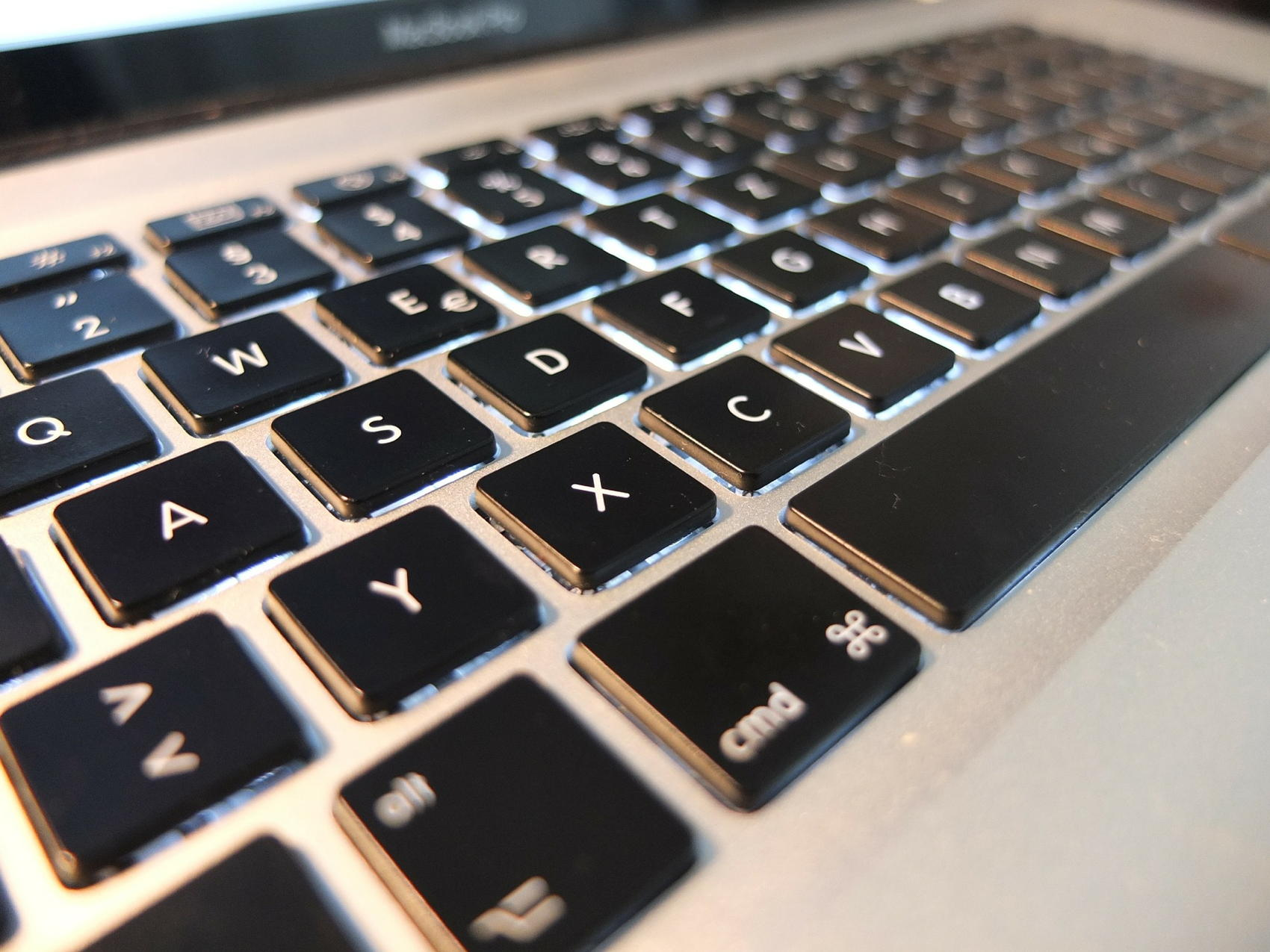 MacBook Pro Keyboard - Image by Robin Wolff