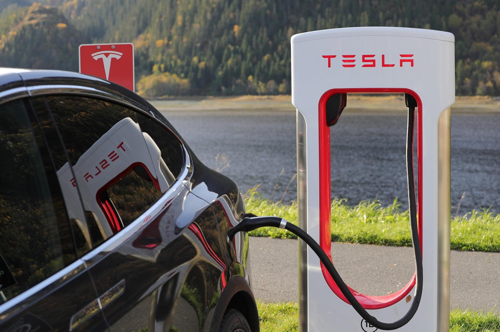 Tesla Charging - Image by Blomst